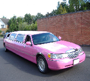 Lincoln Towncar Limos in Rainhill